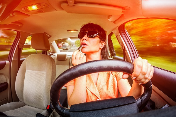 Common Distracted Driving Habits of Wisconsin Drivers